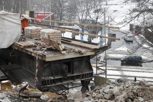 Odstraněná závěrná zídka most přes ulici Vršovická/Otakarova