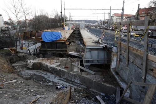 NK mostu přes ulici Vršovická/Otakarova před úpravou.