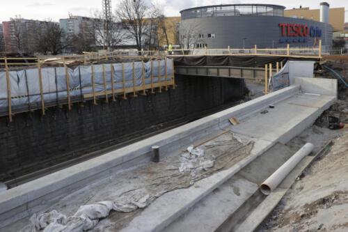 Prostor po bývalých benešovských kolejích - most v Edenu.